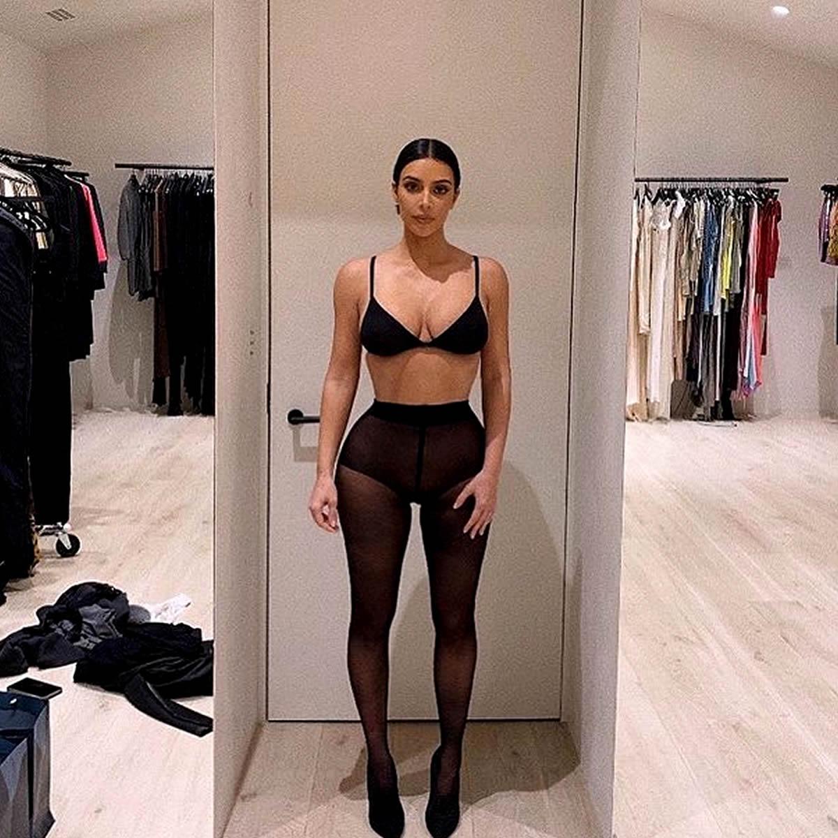 Kim Kardashian mostra curvas perfeitas neste domingo