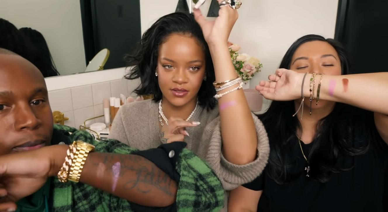 Rihanna apresenta novo Blush Cheeks Out Cream em vídeo hilário