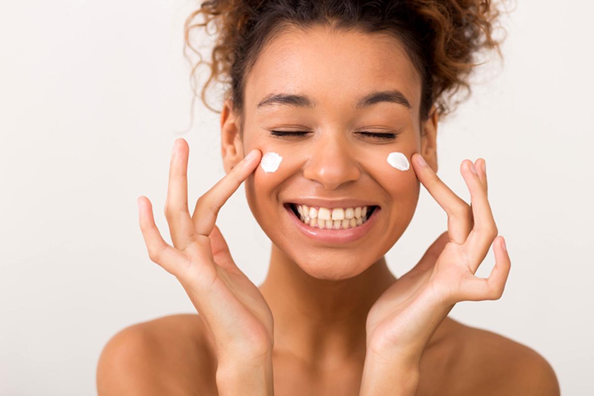 aplicando maquiagem na sequencia correta dicas de limpeza