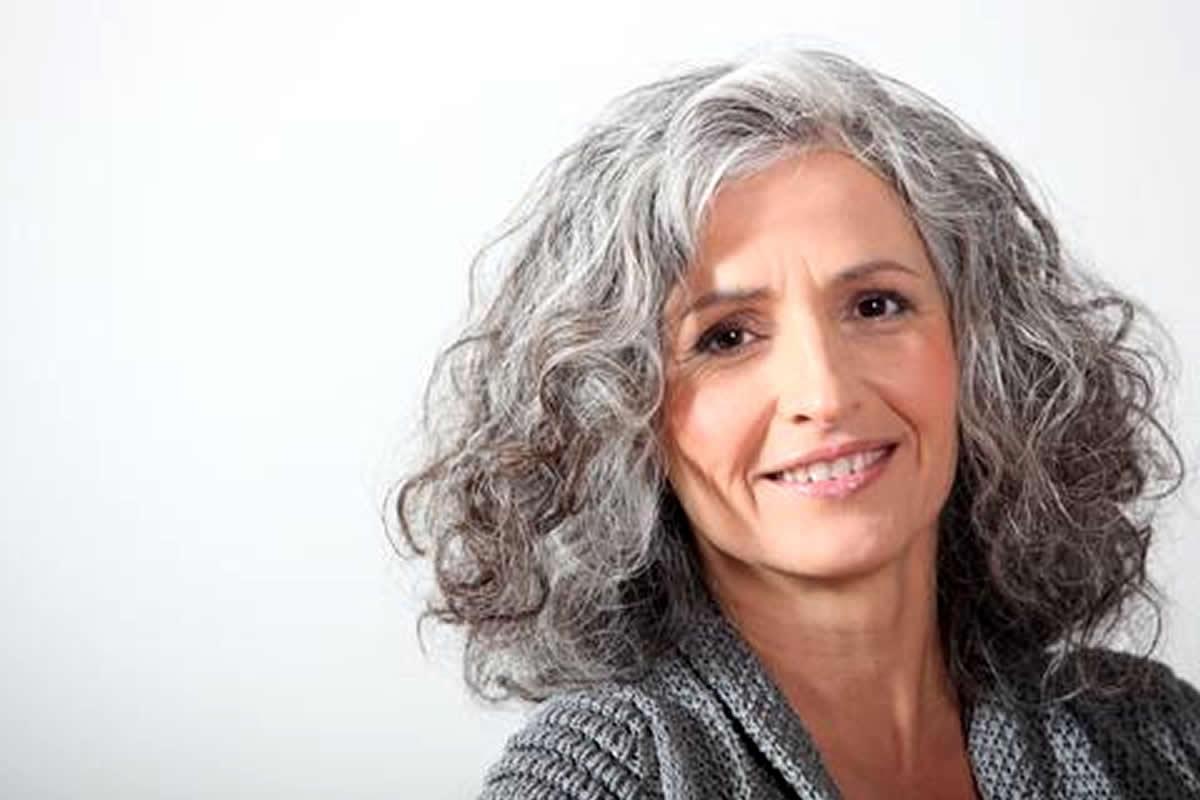 dicas para amenizar queda cabelo durante menopausa